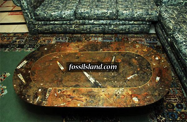tabe basse ovale en marbre fossilif re avec baguette de liton. Black Bedroom Furniture Sets. Home Design Ideas